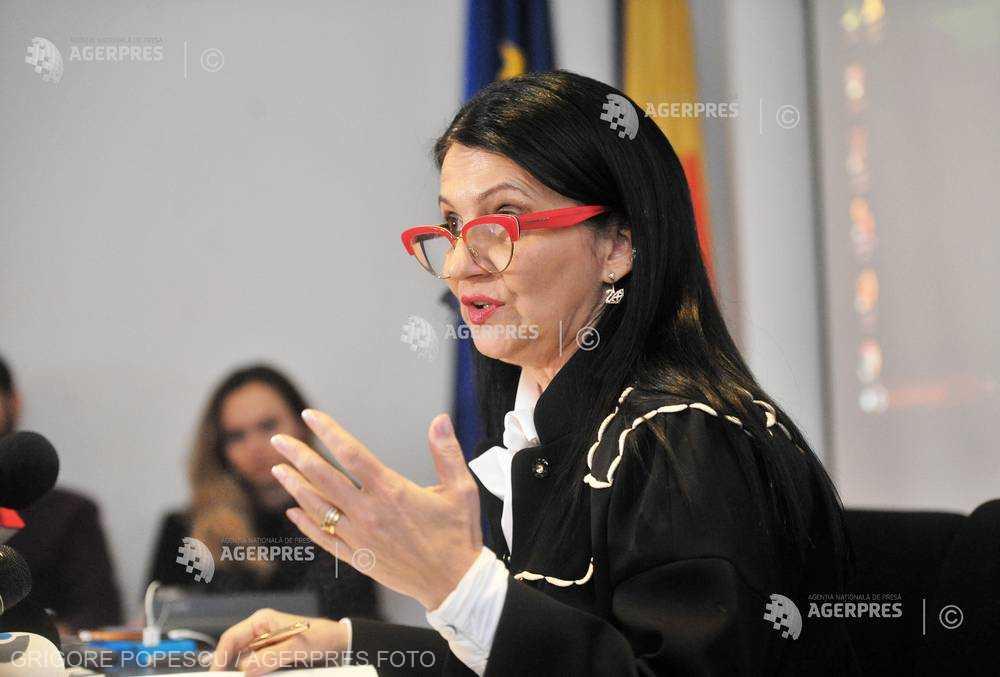 Sorina Pintea: Pacientul trebuie să meargă să deconteze cu factură şi chitanţă medicametele cumpărate în timpul internării