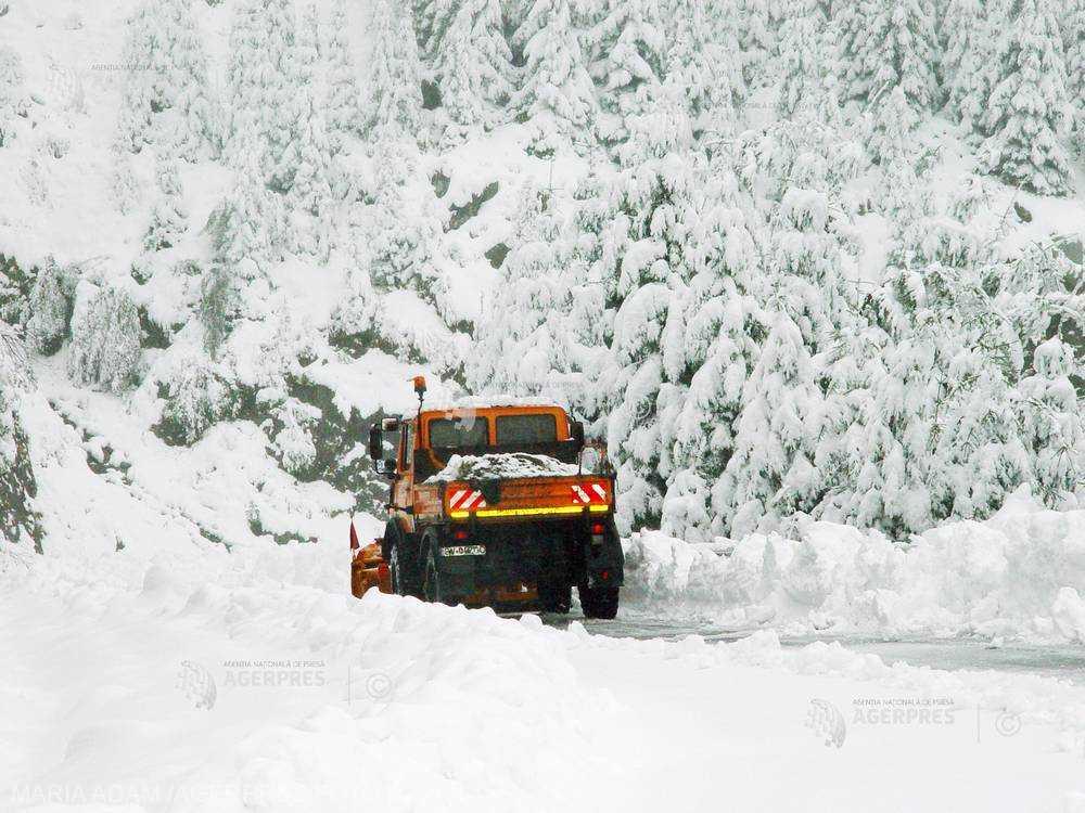 Maramureş: Zece secţiuni de drumuri judeţene închise pe toată durata iernii