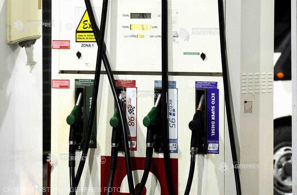 Vânzările de carburanţi au contribuit la creşterea afacerilor din comerţ, în T1