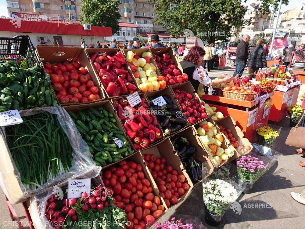 Cartofii, conservele de legume şi fructele proaspete, în topul scumpirilor în mai; ouăle, citricele şi zahărul, mai ieftine