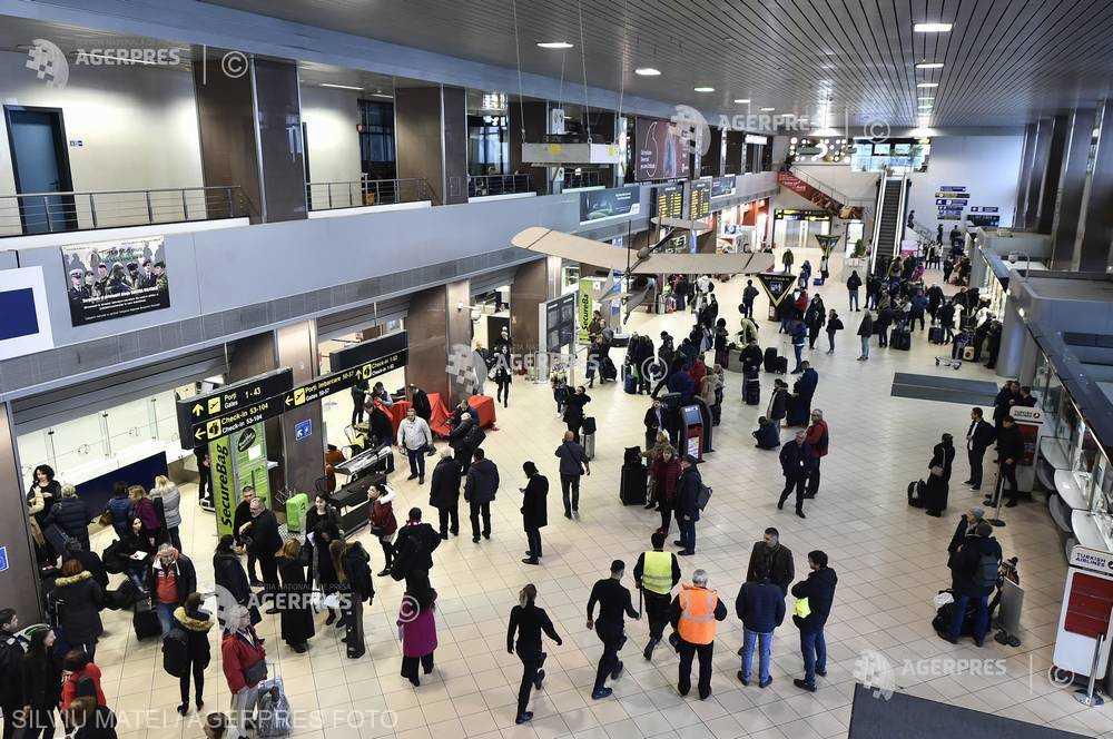 Cursele aeriene pot înregistra întârzieri de 30 de minute la decolare, sâmbătă dimineaţa; nicio cursă nu a fost anulată