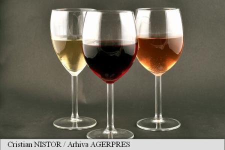 Patronat: An de vinotecă pentru vinul românesc în 2017; producție mai mare cu 10-15% în acest an față de 2016