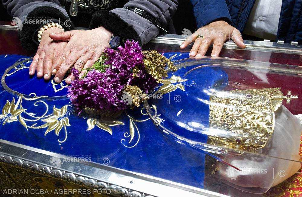 SĂRBĂTOARE: Sfânta Cuvioasă Parascheva de la Iaşi