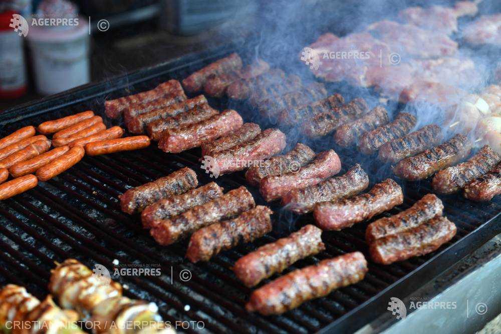Toxinele din fumul de grătar pot fi absorbite prin piele (studiu)