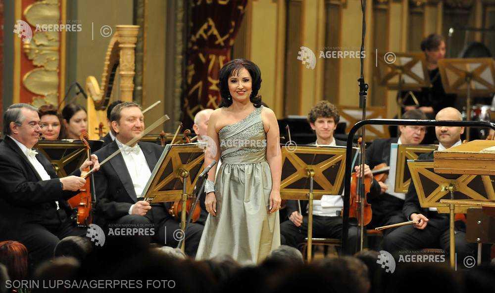 O PERSONALITATE PE ZI: Soprana Elena Moşuc