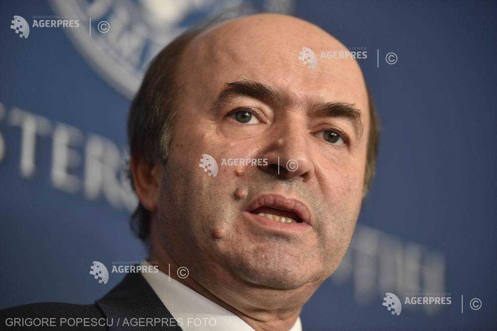 Tudorel Toader despre sesizarea privind refuzul preşedintelui de a o revoca pe Kovesi: Astăzi ajunge la CCR