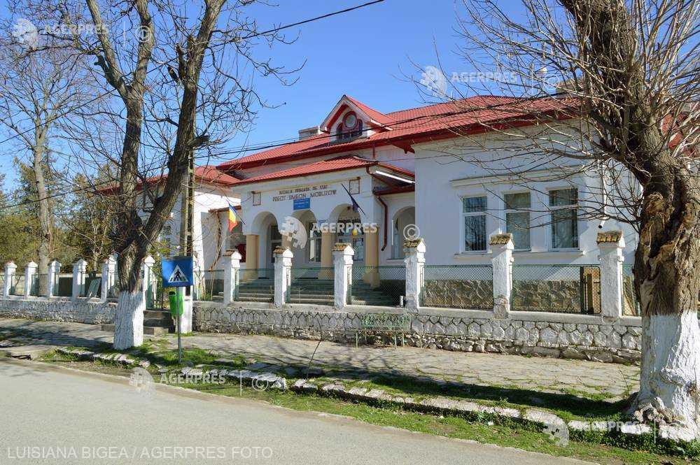Tulcea: Începe reabilitarea şcolii din Zebil, construită de fondatorul serviciului secret al Armatei, Mihail Moruzov
