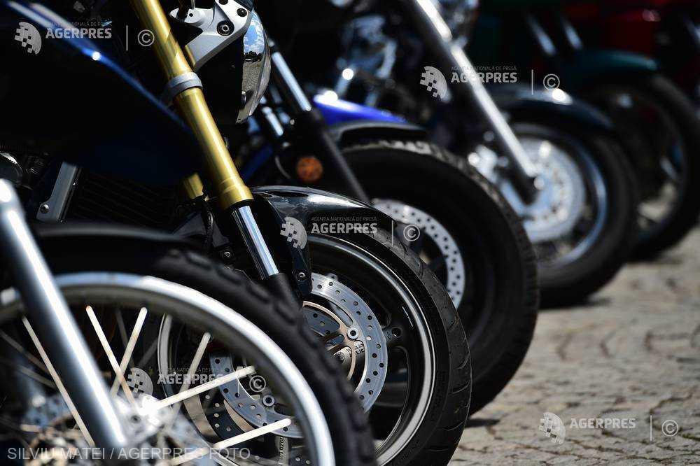 INS: Afacerile din comerţul cu autovehicule şi motociclete au crescut cu 5% în primele două luni