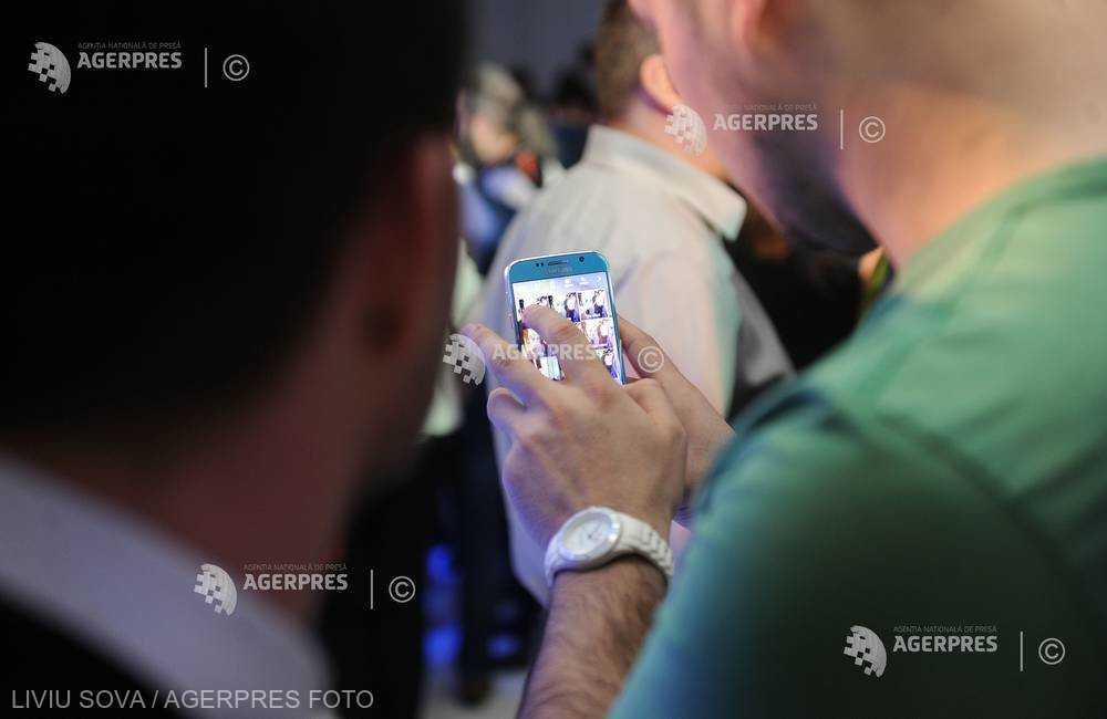 Peste 40% dintre români utilizatori de internet apelează la Internet Banking cel puţin o dată pe săptămână (studiu)