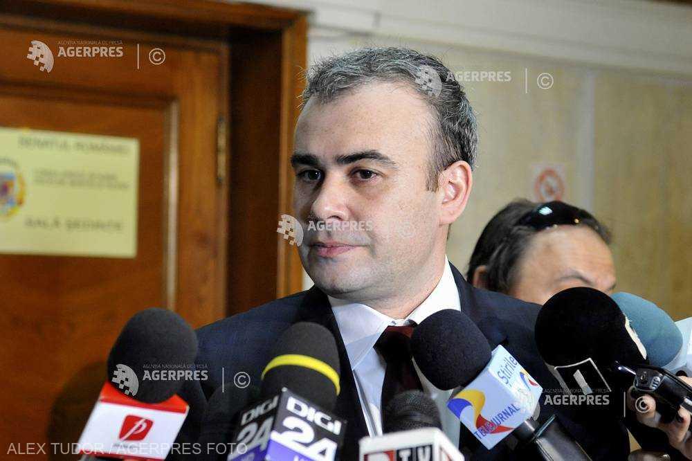 Asociaţia Română de Psihiatrie şi Psihoterapie cere anchetă în cazul postărilor lui Darius Vâlcov