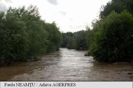 Cod galben de inundații pentru râurile Ialomița, Prahova, Călmățui, Buzău, Siret, Prut și râurile din Dobrogea