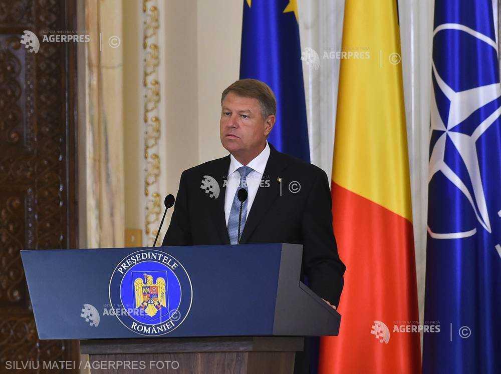 Preşedintele Iohannis solicită autorităţilor guvernamentale să aducă sub control situaţia generată de virusul pestei porcine