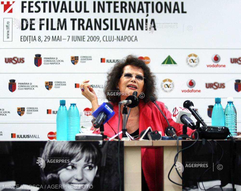 DOCUMENTAR: Actriţa Claudia Cardinale împlineşte 80 de ani
