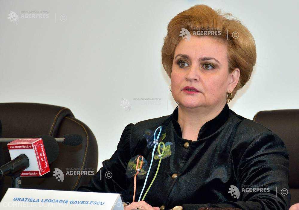 Argeş: Vicepremierul Graţiela Gavrilescu a discutat cu autorităţile judeţene despre problema depozitelor de deşeuri