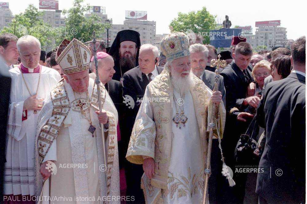 20 de ani de la vizita în România a papei Ioan Paul al II-lea: Ultima zi în imagini - 9 mai 1999