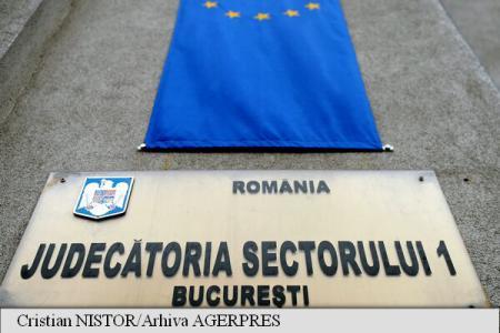 O asociație de proprietari din Reșița obține în instanță demontarea antenei Vodafone
