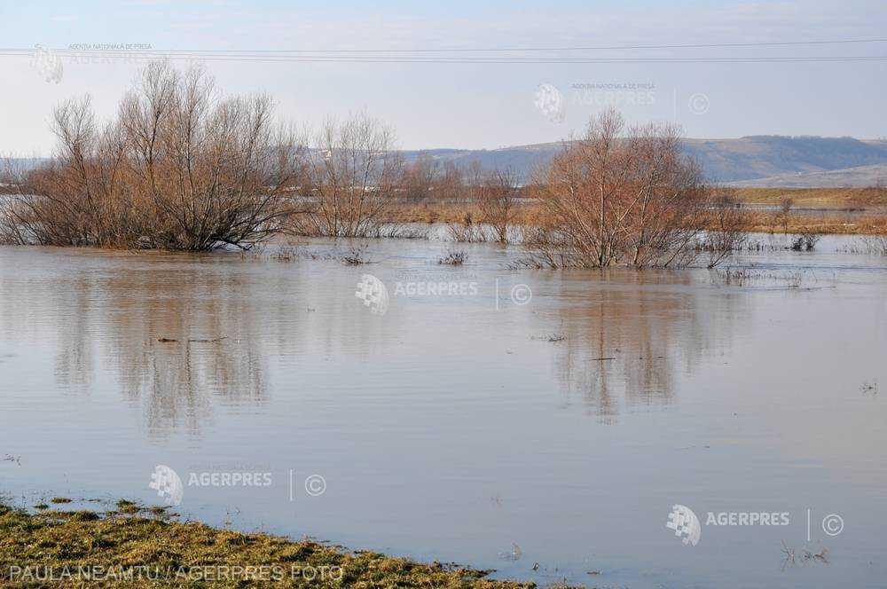 Cod roşu de inundaţii pe râul Negru, până la ora 18:00