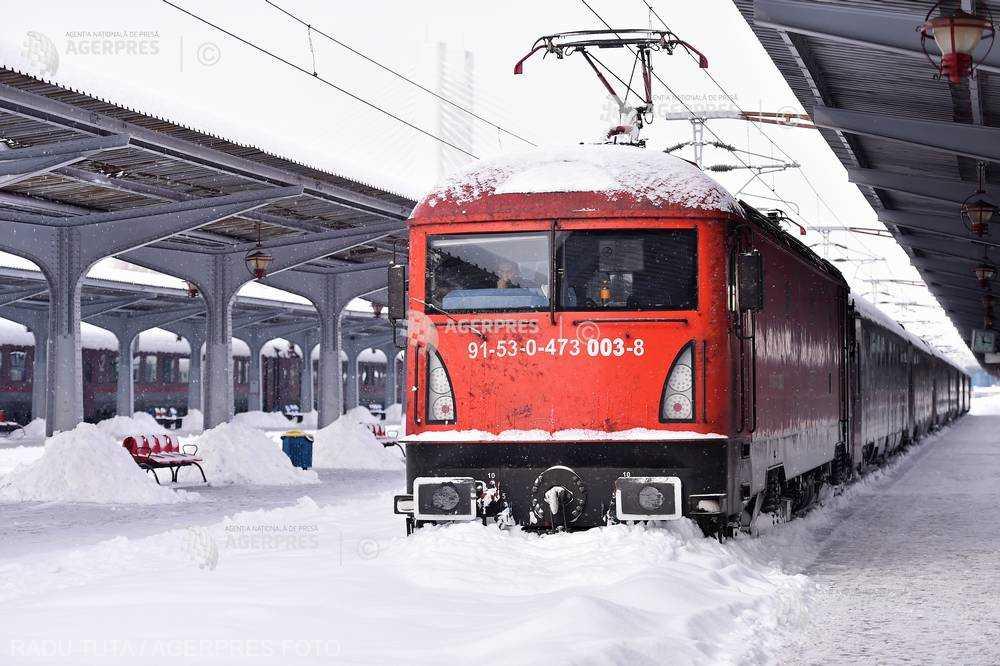 CFR: Şase trenuri afectate de deranjamentele la sistemul de alimentarea cu energie electrică, la ora 14:00