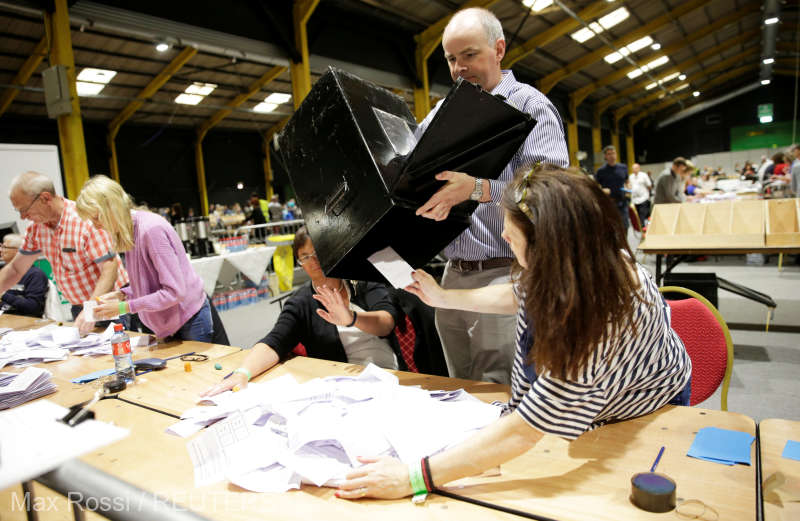 Irlanda/referendum: Aproape 70% dintre irlandezi au votat pentru legalizarea avortului (sondaje la ieşirea de la urne)