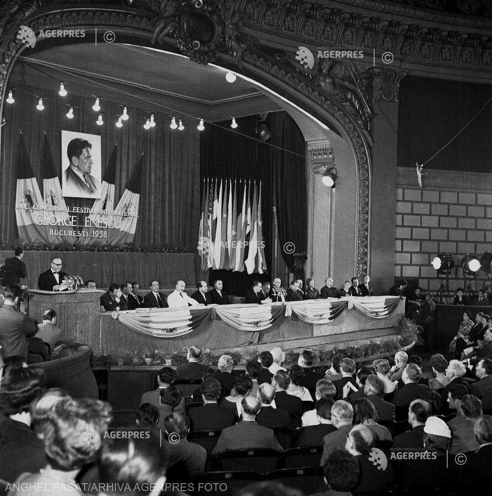 DOCUMENTAR: 60 de ani de la prima ediţie a Festivalului Internaţional
