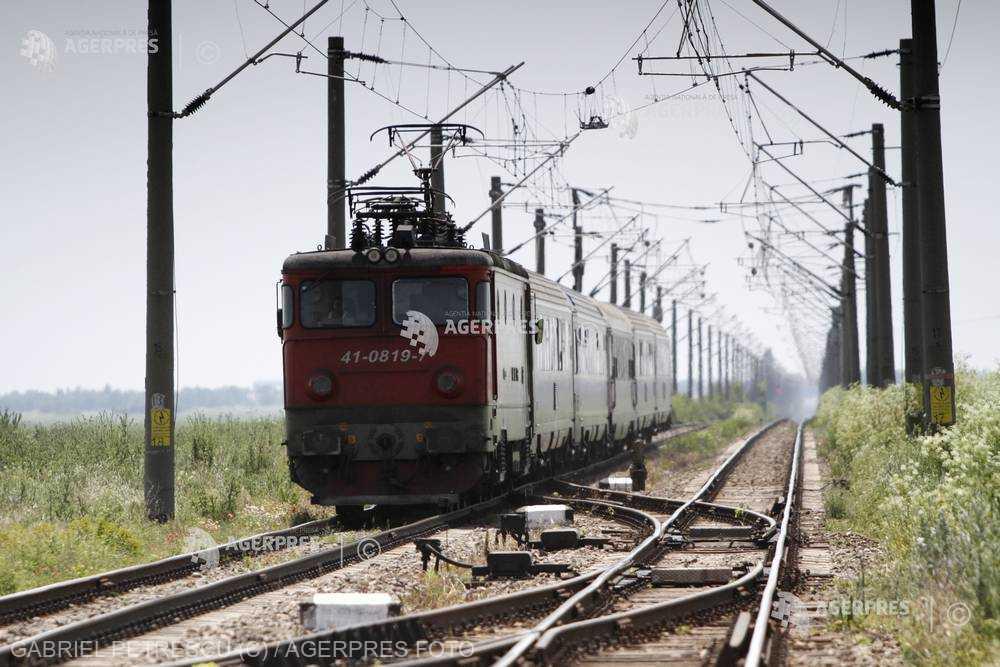 Trenurile către cele mai solicitate destinaţii, suplimentate cu vagoane în perioada 27 aprilie - 2 mai