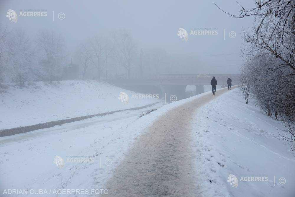 ANM: Cod galben de ceaţă în judeţul Covasna şi vânt puternic în Bihor