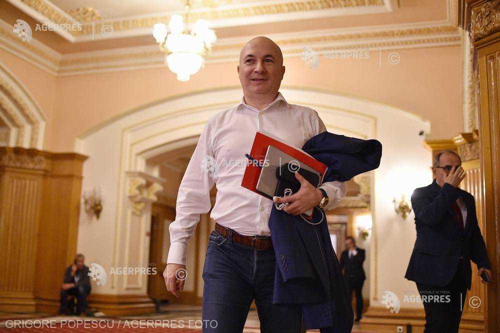Ştefănescu, despre referendumul pe care îl doreşte Iohannis: Să vină cu întrebarea; în PSD, nu discutăm despre declaraţiile lui