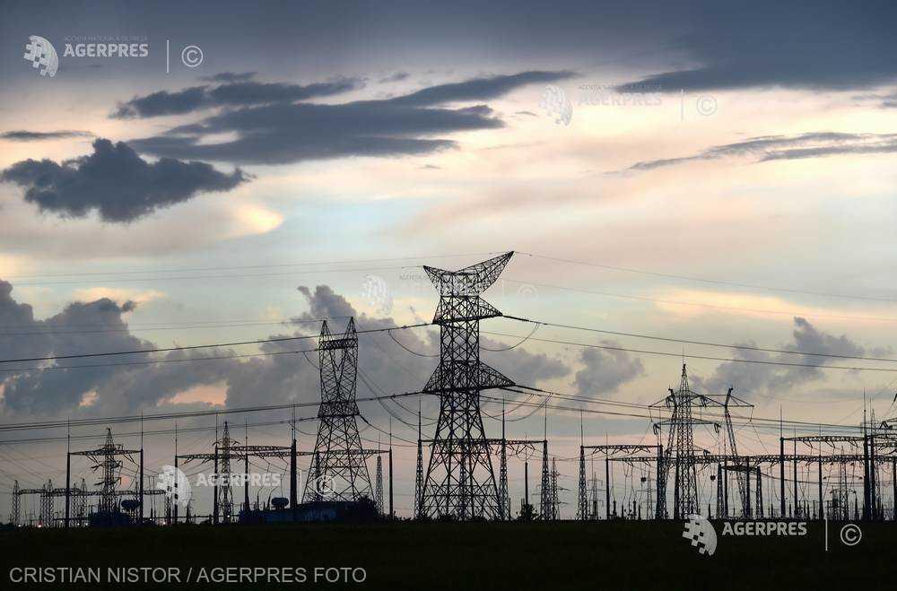 Caraş-Severin: Zece localităţi fără curent electric din cauza ninsorilor