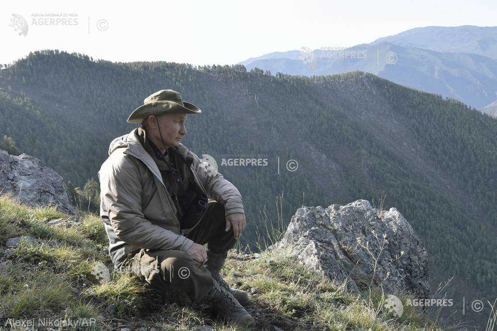 Vacanţa lui Vladimir Putin: în aer liber, în Siberia, împreună cu directorul FSB