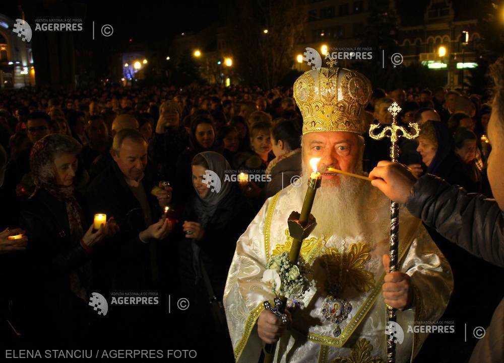 Mitropolitul Andreicuţ, cu gândul la cei plecaţi în străinătate: Nădăjduim că şi acolo duc cu ei frumuseţea sărbătorilor pascale româneşti