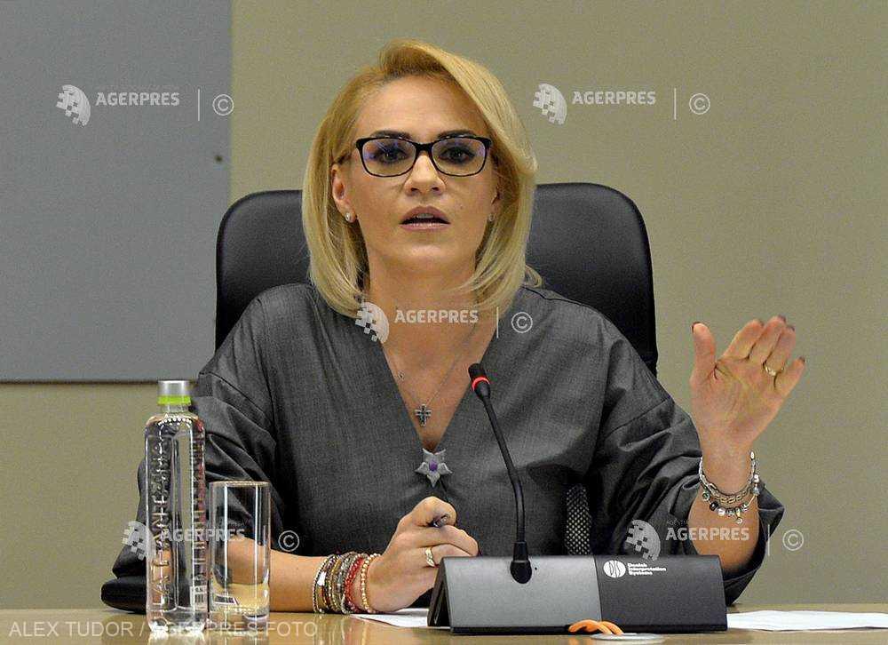 Gabriela Firea: Dragnea şi Tudose au greşit; au obligaţia de a înceta imediat disputele politice