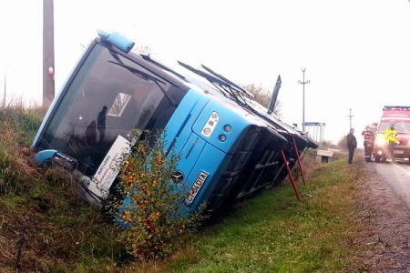 Accident cu un autocar românesc în Suedia; o persoană rănită