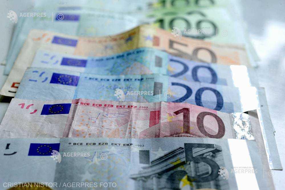 Pachet de creditare de un miliard de euro în special pentru fermierii tineri, lansat de CE şi Banca Europeană de Investiţii