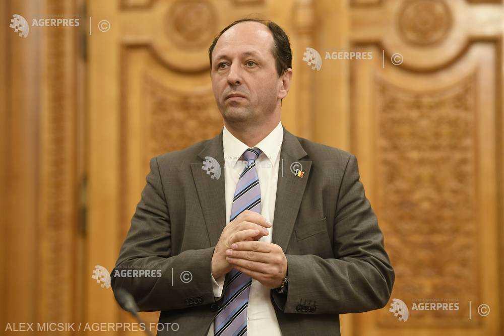 ÎCCJ: Procurorul-şef adjunct al DNA Marius Iacob a săvârşit abatere disciplinară, fiind sancţionat cu avertisment