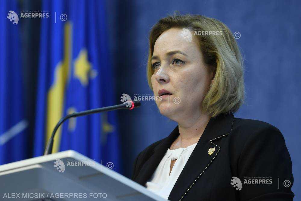 Carmen Dan: Reacţia de aseară a domnului preşedinte de a caracteriza ca brutală acţiunea Jandarmeriei a fost prematură