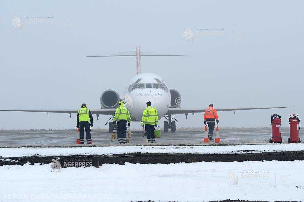 Sibiu: Două curse aeriene au fost anulate din cauza ceţii