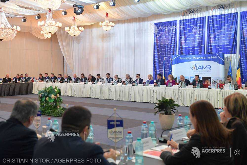 Reprezentanţii AMR doresc ca noul Cod administrativ să intensifice descentralizarea şi să nu sporească atribuţiile prefectului
