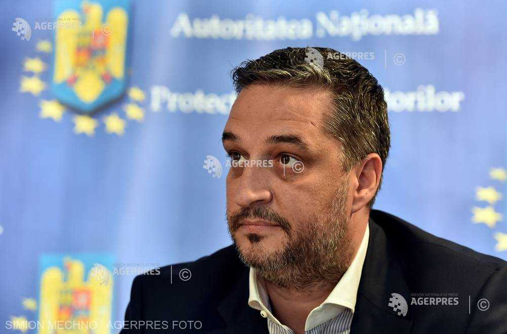 ANPC a comparat biscuiţii şi cornurile vândute în România cu cele comercializate în Franţa