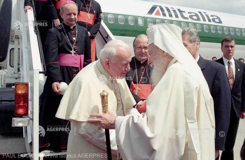 20 de ani de la vizita în România a papei Ioan Paul al II-lea: Prima zi în imagini - 7 mai 1999