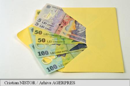 INS: Salariul mediu brut a ajuns la 3.329 lei în iulie, iar câștigul mediu net la 2.391 lei