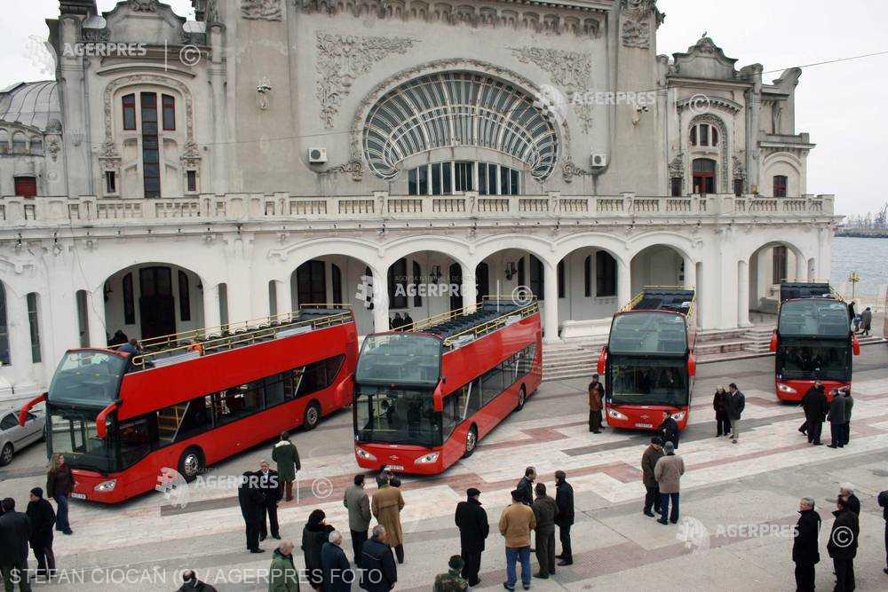 Compania de transport public a redeschis linia turistică estivală cu autobuze etajate din municipiul Constanţa