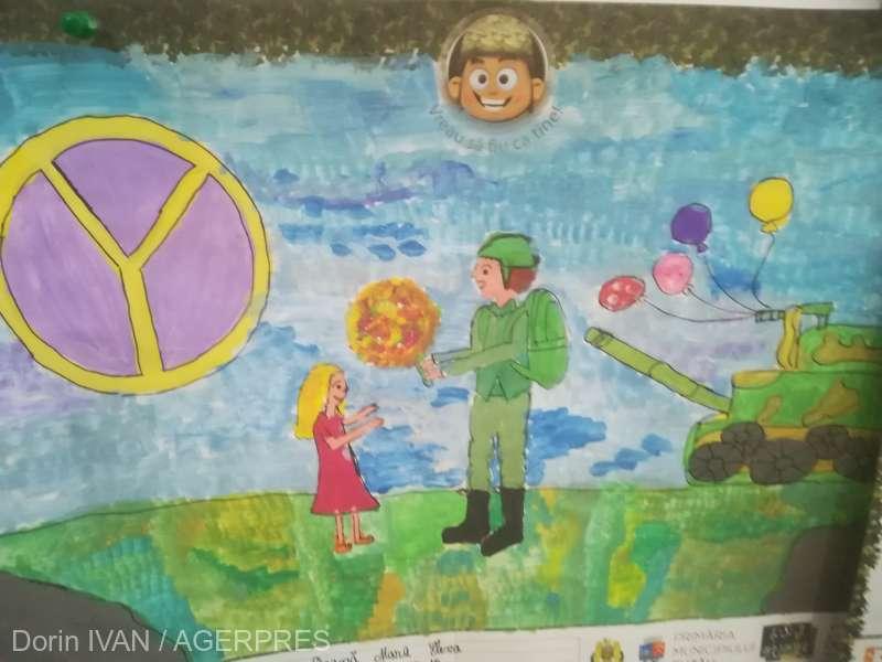 Buzău: Desene şi cărţi poştale de la 7.000 de elevi pentru militarii români şi străini din teatrele de operaţiuni