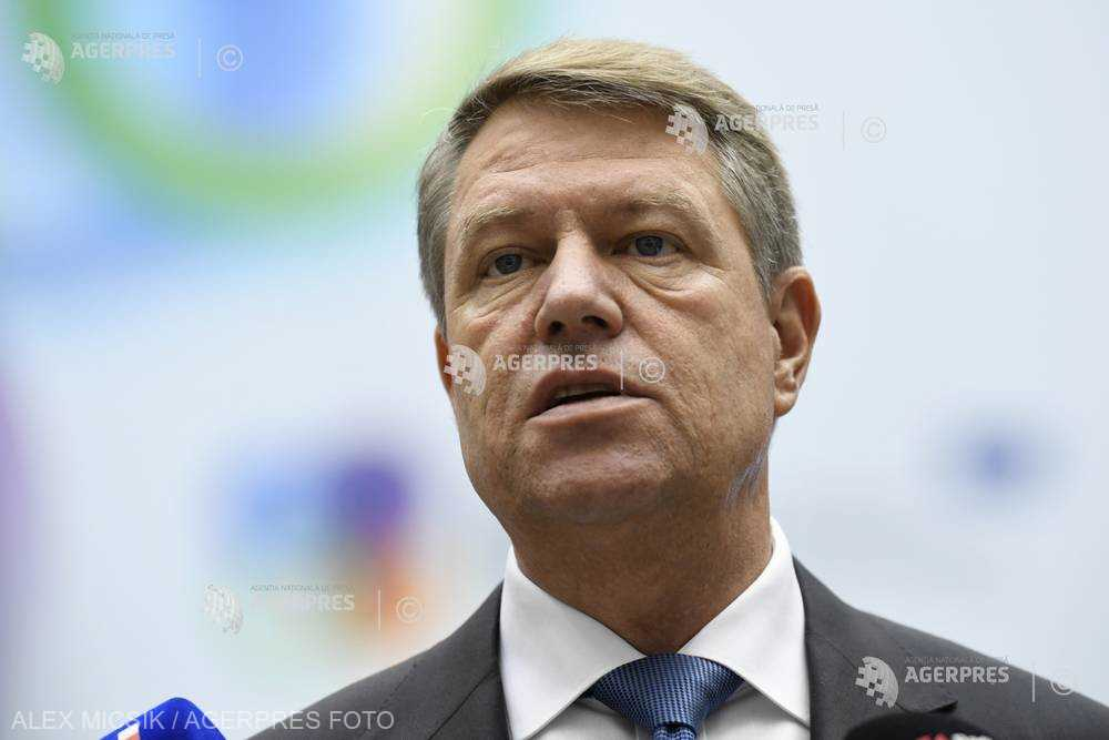 Preşedintele Iohannis a sesizat CCR cu privire la două legi referitoare la crescătorii de suine şi sectorul avicol