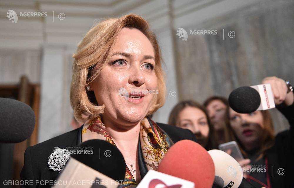Carmen Dan: Nu luăm în calcul o suspendare a preşedintului Iohannis, pentru că ar arunca România în haos