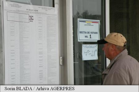 Hunedoara: Bărbat amendat pentru că sfătuia alegătorii să voteze un anumit candidat