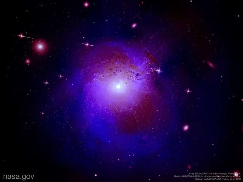 IMAGINEA SĂPTĂMÂNII DE LA NASA: Radiaţie X surprinzătoare din constelaţia Perseus