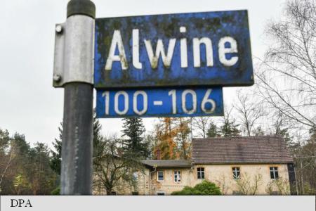 Un sat german scos la licitație a atras peste 40 de ofertanți
