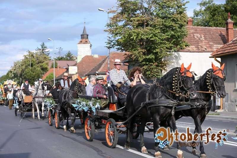 Braşov: A zecea ediţie a Oktoberfest, în perioada 6-16 septembrie
