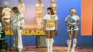 Membrii grupului ABBA aveau haine atât de țipătoare din motive fiscale