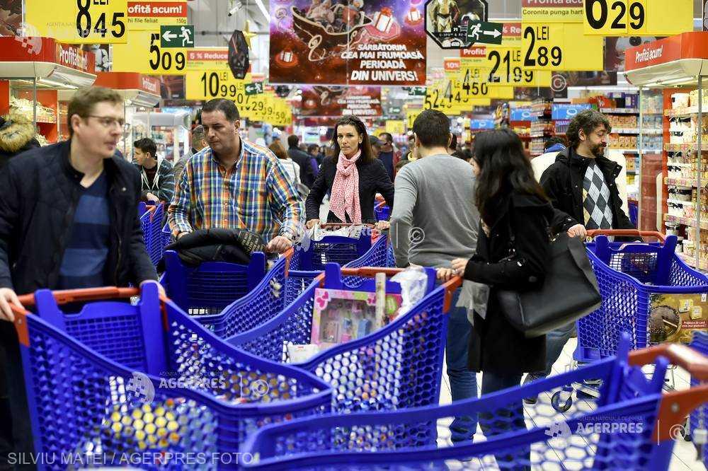 Afacerile din comerţ au urcat cu 9,6% în primele şase luni (INS)